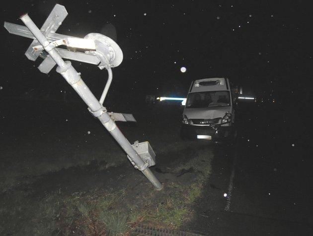 Dopravní nehoda na železničním přejezdu v Nemilkově.