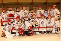 Tým mladších žáků HC Klatovy vyhrál turnaj v Sokolově.