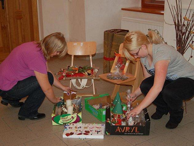 Přípravy na dobročinný bazar jsou v plném proudu