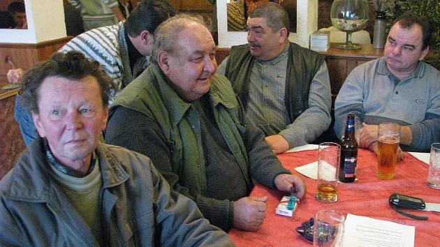 Zdeněk Janda s dalšími chovateli a přáteli koní.