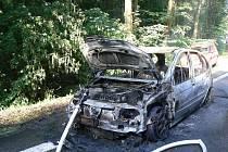 Požár osobního vozu u Nalžovských Hor.