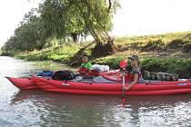 Sára Faustová a Filip Ceschina projeli na kajacích Dunajskou deltu.
