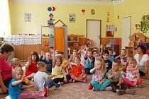 Ve školce v Dolanech se dětem líbí.