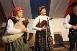Pošumavská dudácká muzika Strakonice na slavnostním zahájení Zwieselského putování za betlémy.