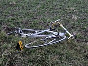 Nehoda autobusu a cyklisty u Janovic nad Úhlavou.