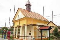 Oprava kaple ve Slavošovicích jde do finále.
