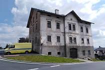 Vila továrníka Blocha na náměstí v Hartmanicích.