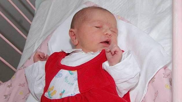 Vytouženým miminkem je Šárka Kopsová ze Švihova, která se narodila v klatovské porodnici 21. února v 17.50 hodin. Vážila 3300 gramů a měřila 52 cm. Doma na sestřičku netrpělivě čeká a moc se na ni těší Hana (17).