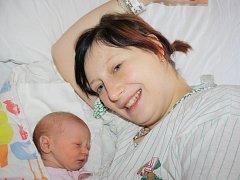 Elizabeta Dovínová z Oselců (2600 gramů, 50) se narodila v klatovské porodnici 7. prosince v 0.37 hodin. Rodiče Nela a Zdeněk přivítali svoji očekávanou prvorozenou dcerku na svět společně.