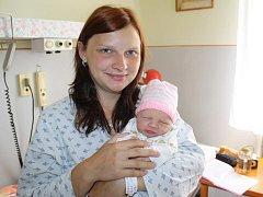 Natálie Hosnedlová z Chotěšova (3170 gramů, 50 cm) se narodila v klatovské porodnici 24. června ve 20.21 hodin. Rodiče Veronika a Stanislav přivítali svoji očekávanou prvorozenou dcerku na svět přímo na porodním sále.