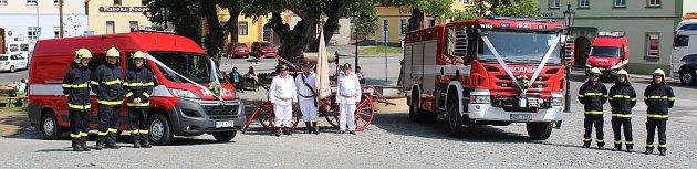 Křest hasičských aut vRabí.