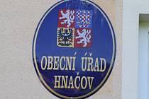 Obec Hnačov má dva starosty. Na jak dlouho?