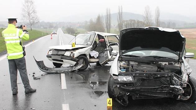 Dopravní nehoda u Mochtína