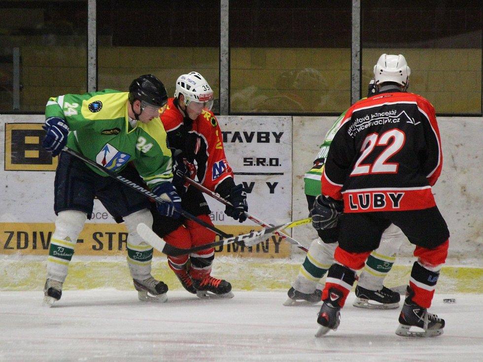 Strakonický hokejový přebor 2017/2018: semifinále play-off Luby (černooranžové dresy) - Drahonice