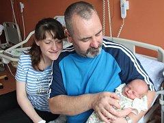 Jakub Hrebenár ze Švihova (3000 gramů, 46 cm) se narodil v klatovské porodnici 28. dubna ve 14.01 hodin. Rodiče Simona a Anton přivítali svého očekávané synka na svět společně. Brášku doma přivítali Karel (8) a Štěpán (4).