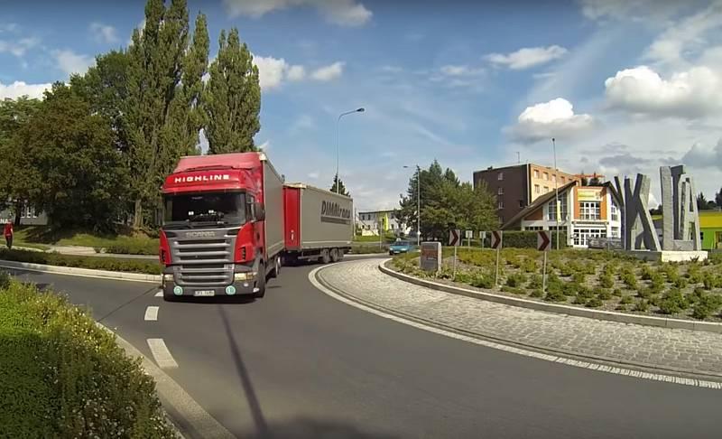 Obchvat převede tranzitní dopravu mimo město.