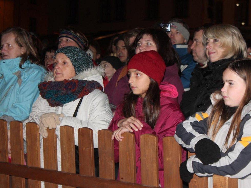 Zpívání koled v Klatovech
