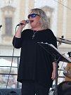 Na klatovském náměstí Míru zahrály v rámci Country odpoledne kapely Pilouni a Forehand s Míšou Leichtem