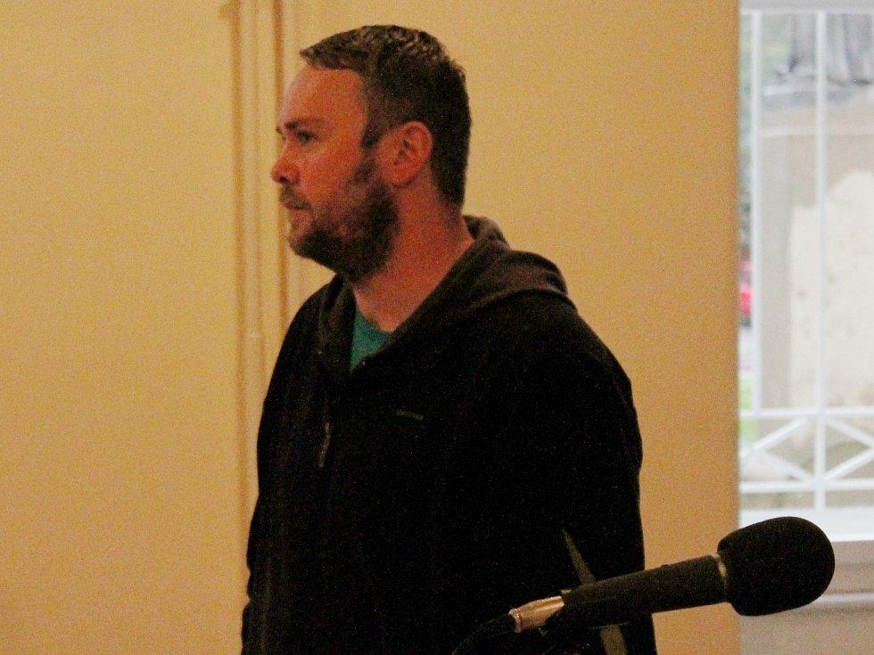 David Jakoubek u klatovského soudu.