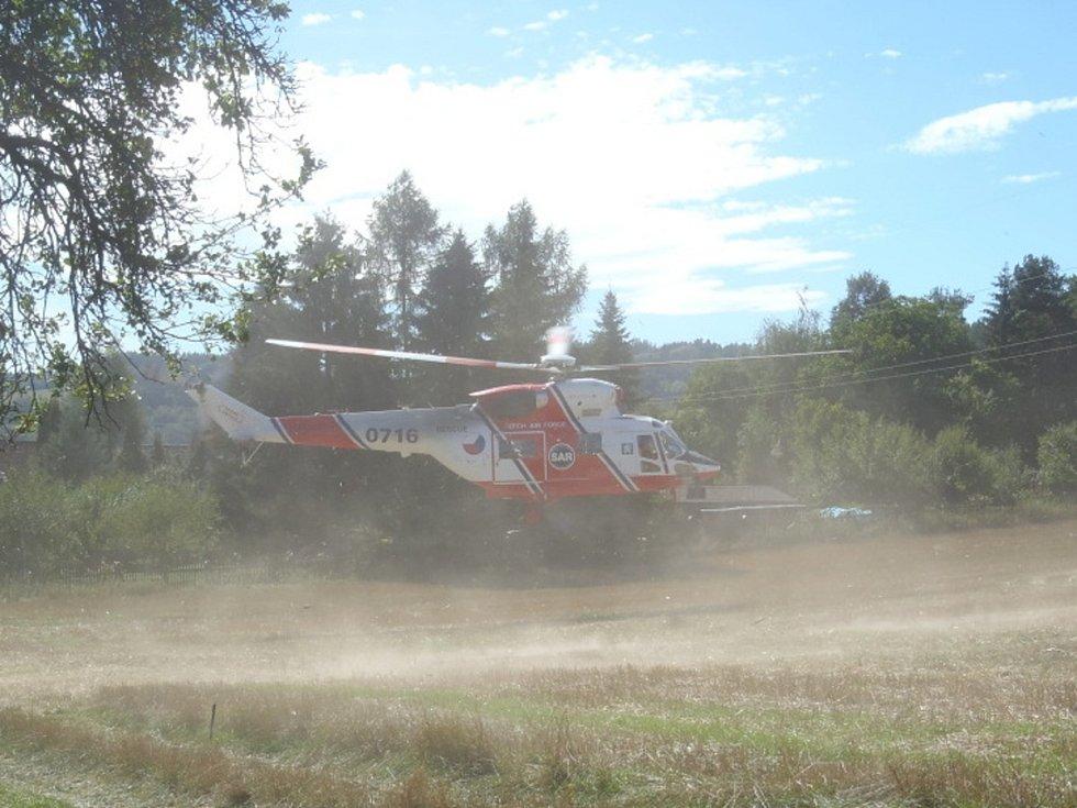 Nehoda motorky a traktoru u Malé Vísky.