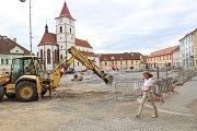 Rekonstrukce Mírového náměstí v Horažďovicích.