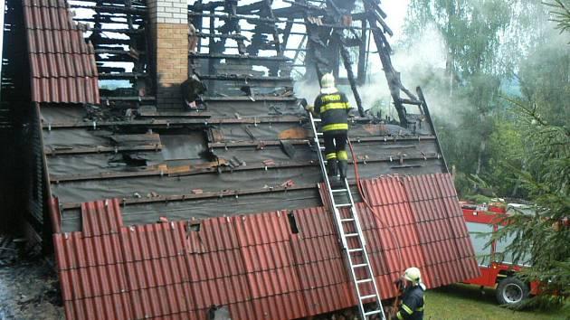 Požár chaty v Zavlekově
