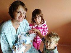 Lukáš Pavlas z Klatov (2900 g, 48 cm) se narodil v klatovské porodnici 2. září v 10.23 hodin. Rodiče Jana a Petr přivítali svého syna na světě společně. Ze svého bratříčka mají velkou radost Karolína (6) a Jakub (2).