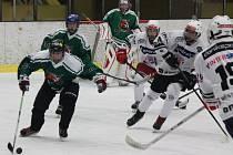 Krajská liga dorostu jižních Čech: HC Klatovy (bílé dresy) - HC Slavoj Český Krumlov 11:4