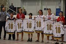 Vyhlášení All Star Teamu U16 hokejbalového mistrovství světa juniorů 2016. Nicholas Kaňák je první zprava