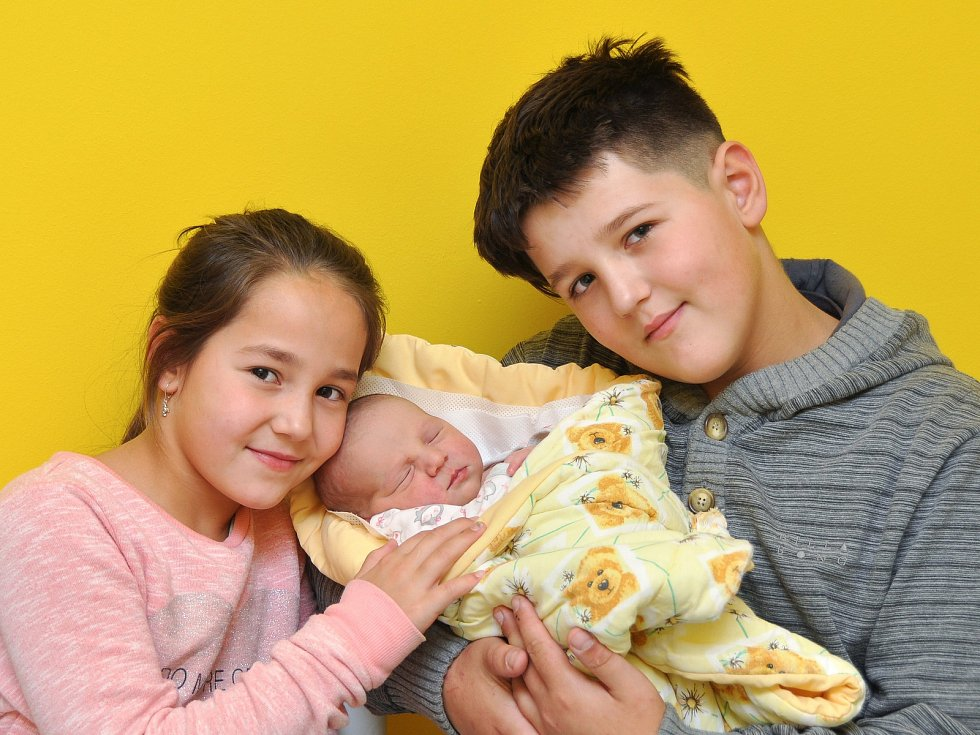 Nelinka Toráčová ze Slivonic (3490 g) se narodila ve strakonické nemocnici 26. listopadu v 9.09 hodin. Na Nelinku se těšili rodiče Martina a Jiří a sourozenci Jirka (10), Adélka (8).