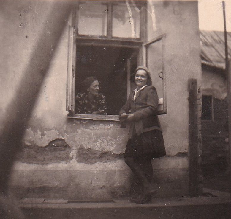 Matka a sestra Johanna Löffelmanna po válce.