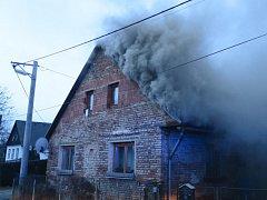 Požár rodinného domu v Mileticích.