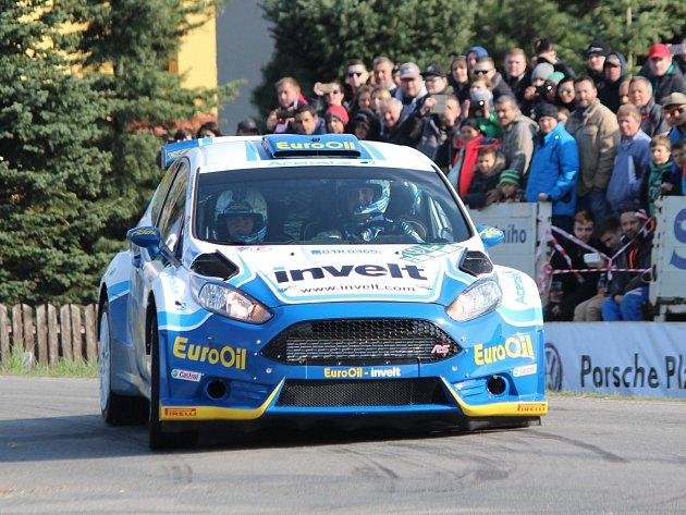 Václav Pech ve Fordu Fiesta RS na trati Klatovského okruhu.