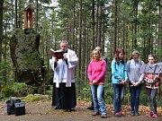 Svěcení božích muk Herrgottsriegel u cesty na Černé jezero