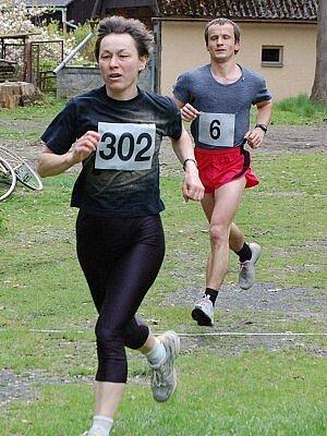 Tři desítky vytrvalců bojovaly v bystřickém parku u Nýrska o co nejlepší umístění při tradičním Jarním přespolním běhu.