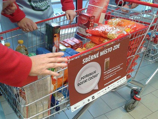 Sbírka potravin v Klatovech.