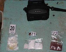 Drogy zadržené policií při domovní prohlídce v Sušici.