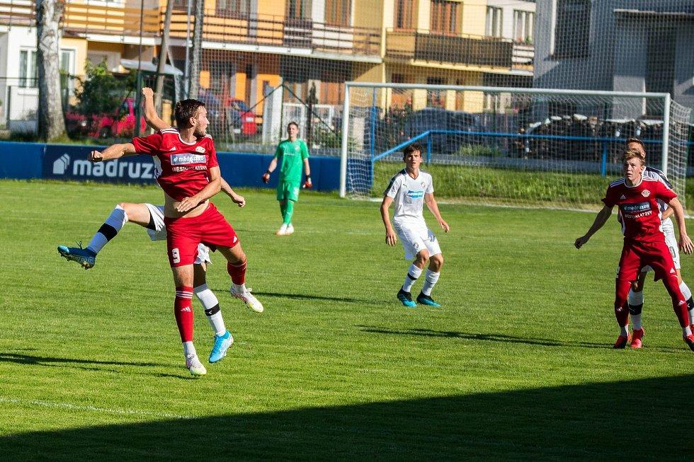 Klatovy (v červeném) padly se starším dorostem Viktorie Plzeň.