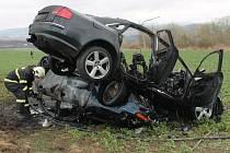 Nehoda dvou automobilů nedaleko Soustova