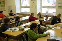 Žáky osmé třídy jsme zastihli při hodině chemie