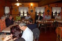 Zástupci dobrovolného sdružení obcí Ostružná se v pátek odpoledne sešli na valné hromadě v Břetěticích.