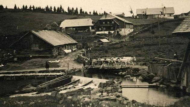 Dobový pohled obce Kvilda na Šumavě