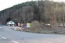 Od pondělí začíná úplná uzavírka silnice Dlouhá Ves – Radešov kvůli rozsáhlým opravám.