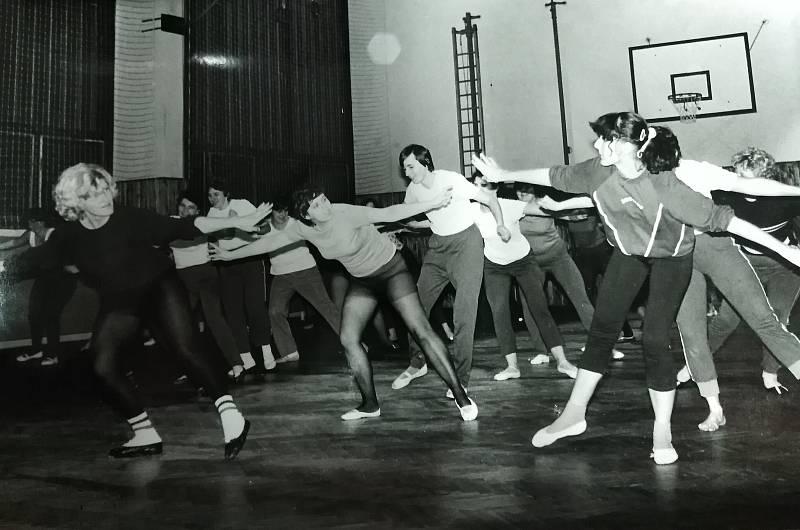 Nacvičování na spartakiádu v roce 1985.