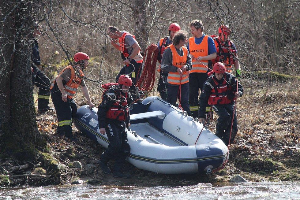 Zásah hasičů v Radešově.