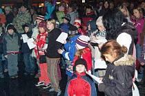 Tradiční zpívání koled na sušickém náměstí