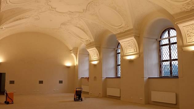 Rekonstrukce jezuitské koleje v Klatovech jde od finále.