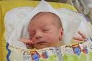 Tomáš Kapusta ze Střelských Hoštic (3570 g, 52 cm) se narodil v klatovské porodnici 2. června v 9.22 hodin. Rodiče Irena a Zdeněk si nechali pohlaví miminka jako překvapení. Na brášku doma čeká Zdeněček (2,5).