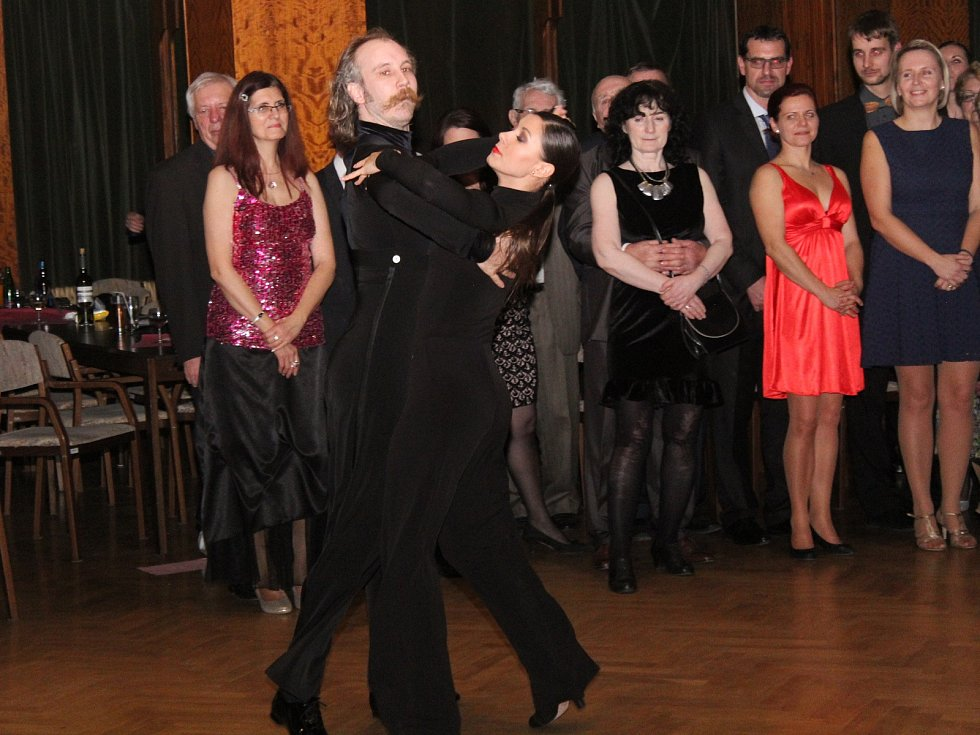 Reprezentační ples Drůbežářského závodu Klatovy.