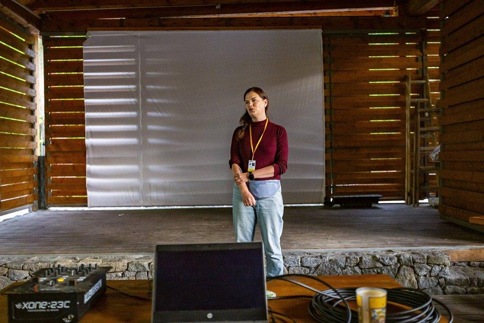 Hlavní koordinátorka Sarah Huikari.
